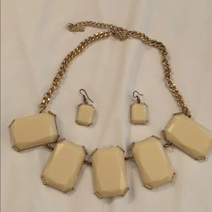 Women's Mika Necklace & matching earrings
